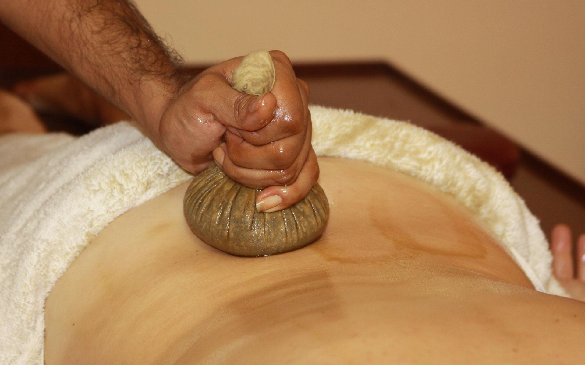 Ayurveda Konzept - Massage - Yoga - Beratung
